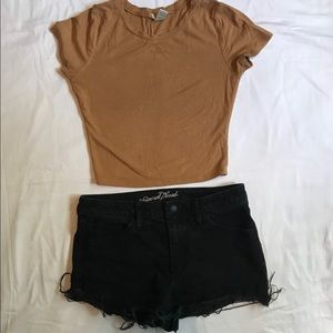 Universal thread 8/29R high rise shorts distressed